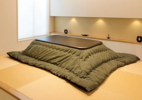 こたつテーブル 大型180cm幅 激安【ライアン180】長方形 8人用ライアン布団.jpg